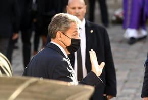 Hommage à Bernard Tapie: qui porte le cercueil?