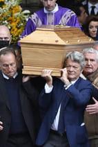 Papin, Borloo, Lelouch portent le cercueil