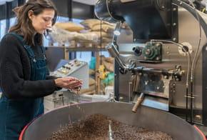 Jennifer Baleon, l'entrepreneuse qui favorise l'insertion professionnelle des SDF grâce au café