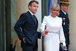 """Les Macron """"s'embrassent dans le cou"""": les dessous de leur amour"""